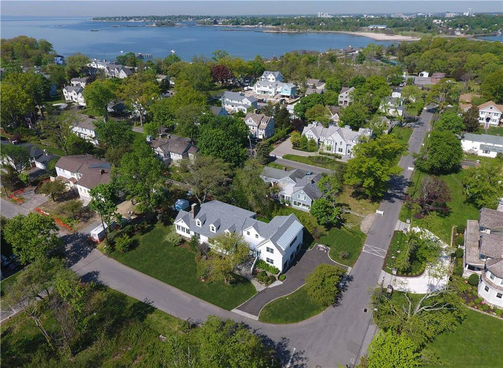 Luxury Single Family Home Sold in Darien CT 06820.  cape cod house near beach side waterfront with 3 car garage.