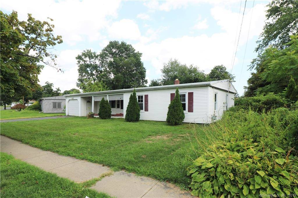 Foreclosure: Single Family Home Sold in Stratford CT 06614. Ranch house near waterfront with 1 car garage.
