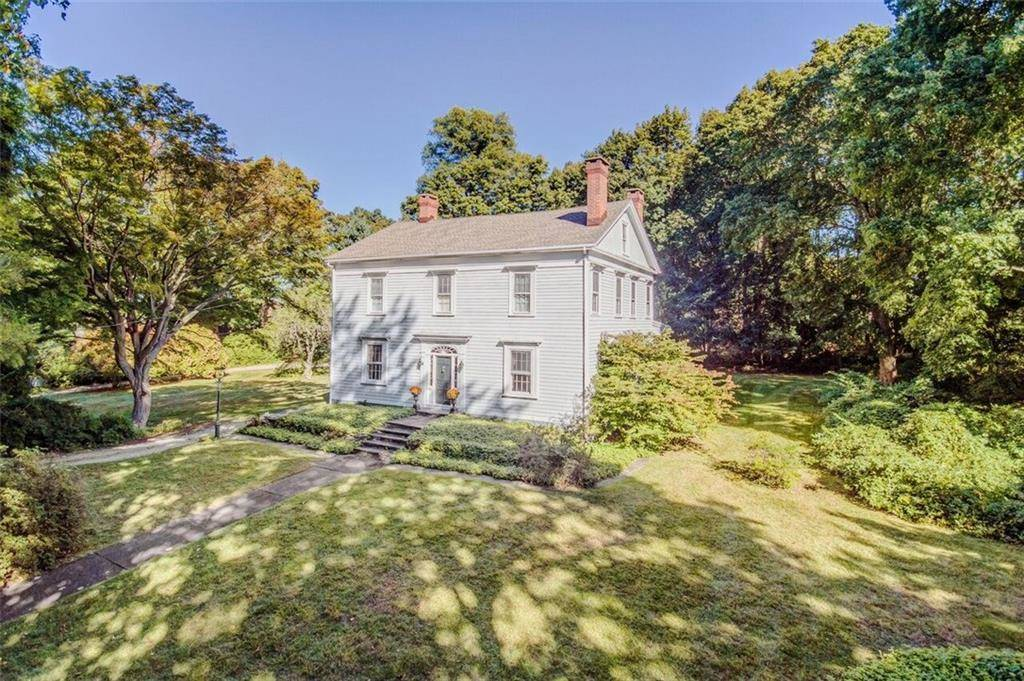 Single Family Home Sold in Fairfield CT 06824. Old colonial, antique house near waterfront with 2 car garage.