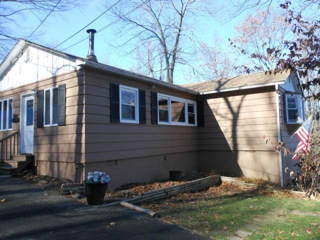 Short Sale: Single Family Home Sold in New Fairfield CT 06812. Ranch house near waterfront.