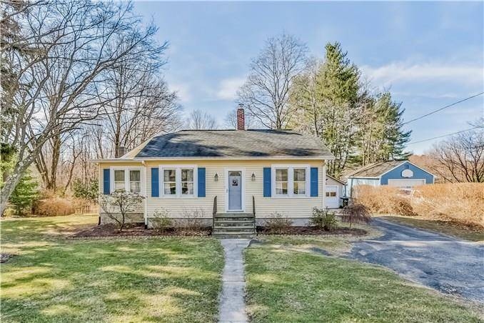 Single Family Home Sold in Newtown CT 06470. Old ranch house near waterfront with 1 car garage.