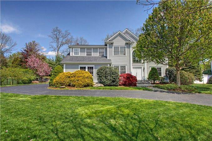 Single Family Home Sold in Fairfield CT 06890. Colonial house near waterfront with 2 car garage.