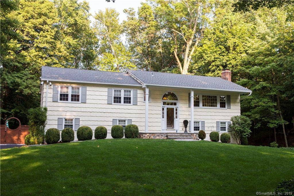 Single Family Home Sold in Westport CT 06880. Ranch house near waterfront with 2 car garage.
