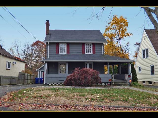 Foreclosure: Single Family Home Sold in Norwalk CT 06854. Old colonial house near waterfront with 1 car garage.
