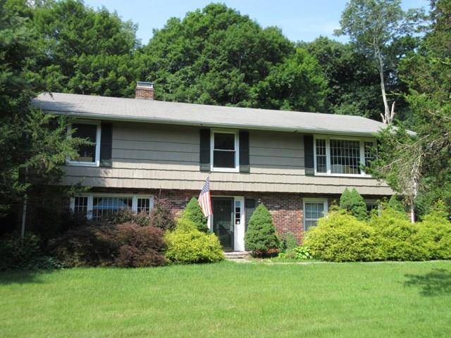 Short Sale: Single Family Home Sold in Wilton CT 06897. Ranch house near river side waterfront with 2 car garage.