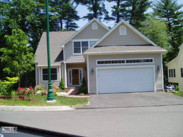 Single Family Home Rented in Shelton CT 06484. Ranch house near waterfront with 2 car garage.