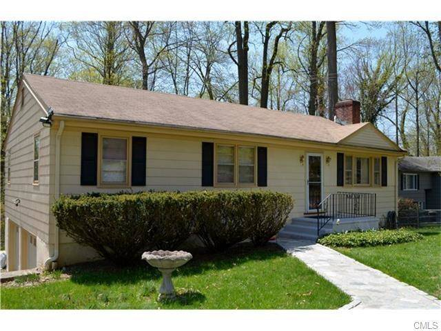 Short Sale: Single Family Home Sold in Trumbull CT 06611. Ranch house near waterfront with 2 car garage.