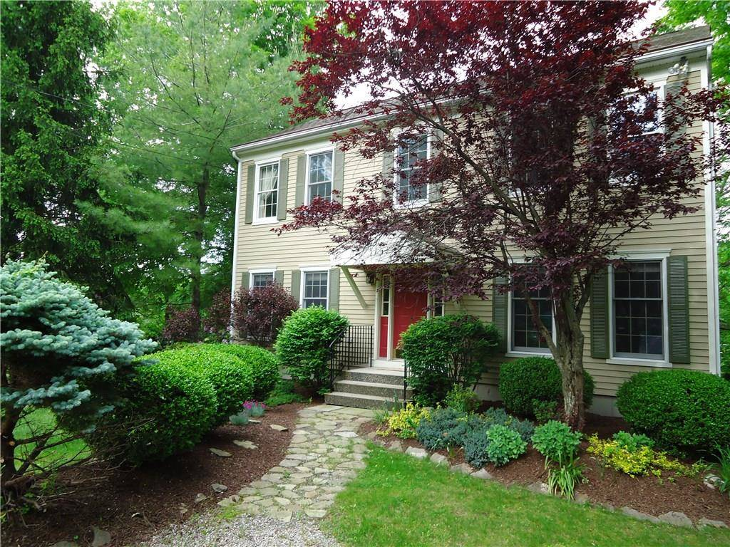 Single Family Home Sold in Ridgefield CT 06877. Colonial house near beach side waterfront.