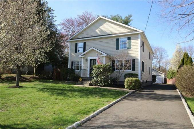 Single Family Home Sold in Fairfield CT 06824. Colonial house near beach side waterfront with 2 car garage.