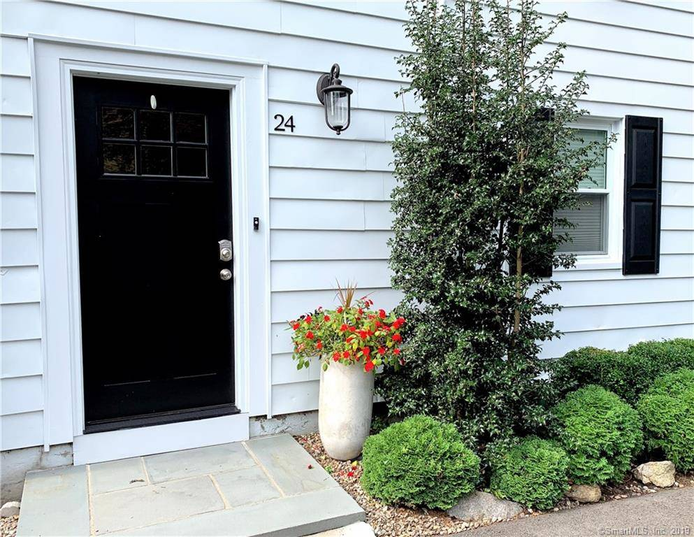 Single Family Home Sold in Shelton CT 06484. Colonial house near waterfront.