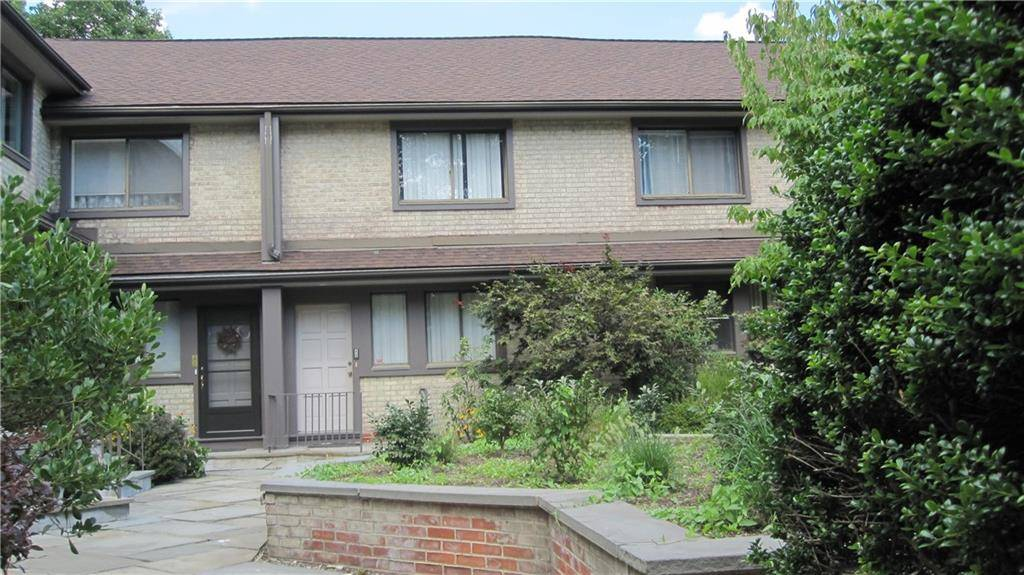 Condo Home Rented in Stamford CT 06905.  townhouse near waterfront with swimming pool.