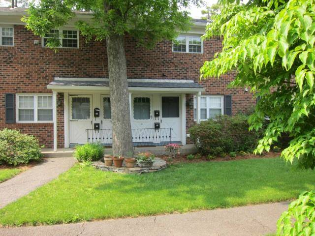 Condo Home Rented in Fairfield CT 06824. Ranch house near beach side waterfront.