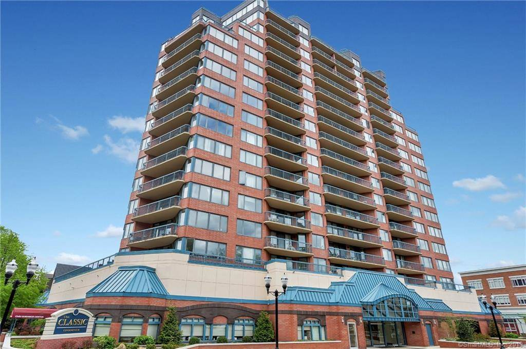 Condo Home Sold in Stamford CT 06901.  house near beach side waterfront with swimming pool and 1 car garage.
