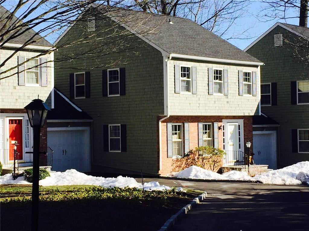 Condo Home Sold in New Canaan CT 06840. Colonial townhouse near waterfront with 1 car garage.