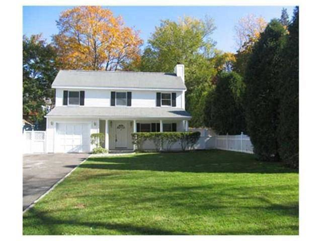 Single Family Home Rented in Greenwich CT 06870. Colonial house near waterfront with 1 car garage.