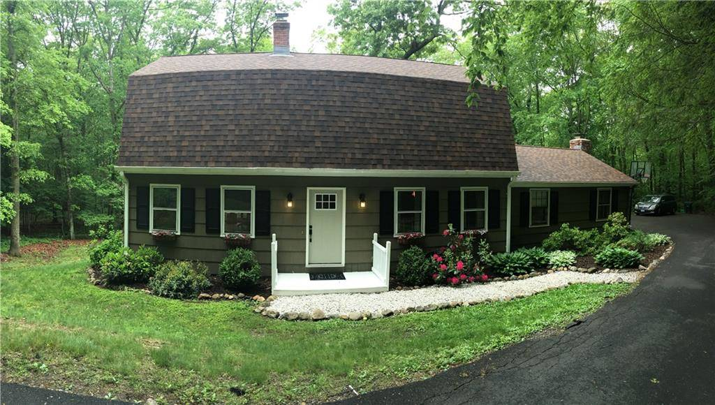 Single Family Home Sold in Newtown CT 06482. Colonial house near waterfront.