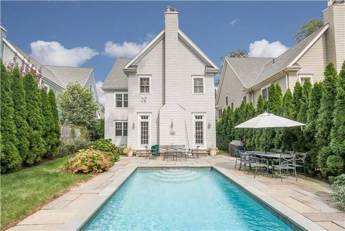 Single Family Home Sold in Norwalk CT 06853. Colonial house near beach side waterfront with swimming pool and 2 car garage.