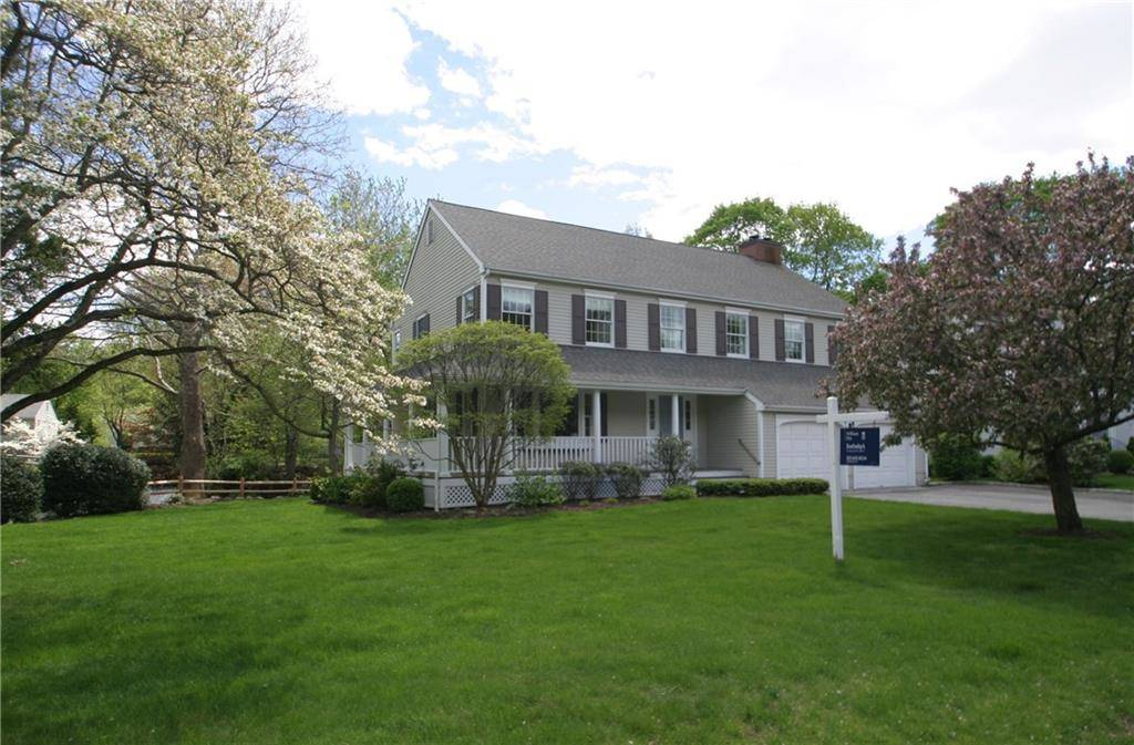 Single Family Home Sold in Darien CT 06820. Colonial house near beach side waterfront with 2 car garage.