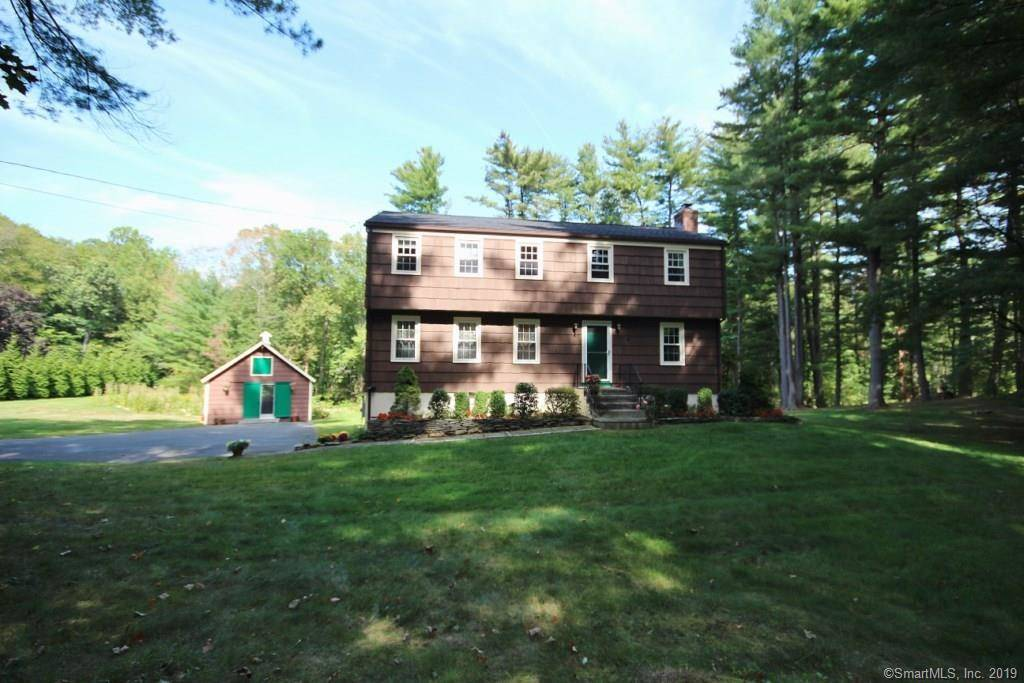 Single Family Home Sold in Redding CT 06896. Colonial house near river side waterfront with 2 car garage.