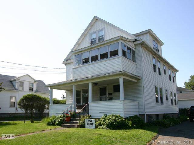 Multi Family Home Rented in Fairfield CT 06825. Old colonial house near waterfront with 2 car garage.