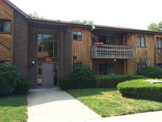 Condo Home Rented in Bridgeport CT 06606. Ranch house near river side waterfront with swimming pool.