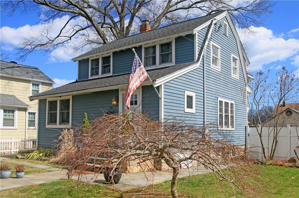 Single Family Home Sold in Stamford CT 06905. Old colonial house near beach side waterfront.