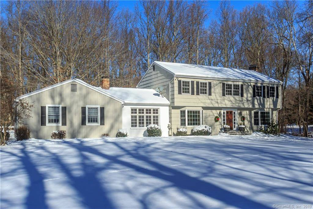 Single Family Home Sold in Fairfield CT 06824. Colonial house near waterfront with 2 car garage.