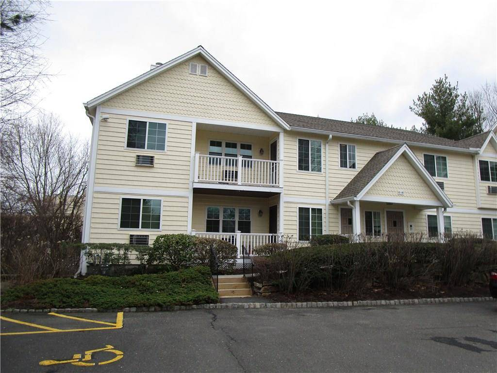 Condo Home Rented in Bridgeport CT 06606. Ranch house near beach side waterfront.