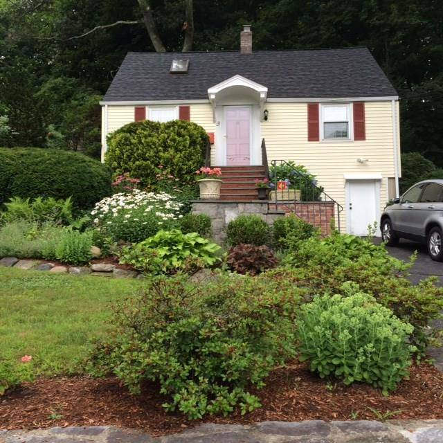 Single Family Home Sold in Norwalk CT 06850. Old  cape cod house near beach side waterfront.