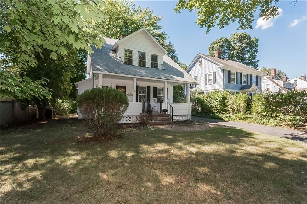 Single Family Home Sold in Westport CT 06880. Old colonial house near beach side waterfront with 2 car garage.
