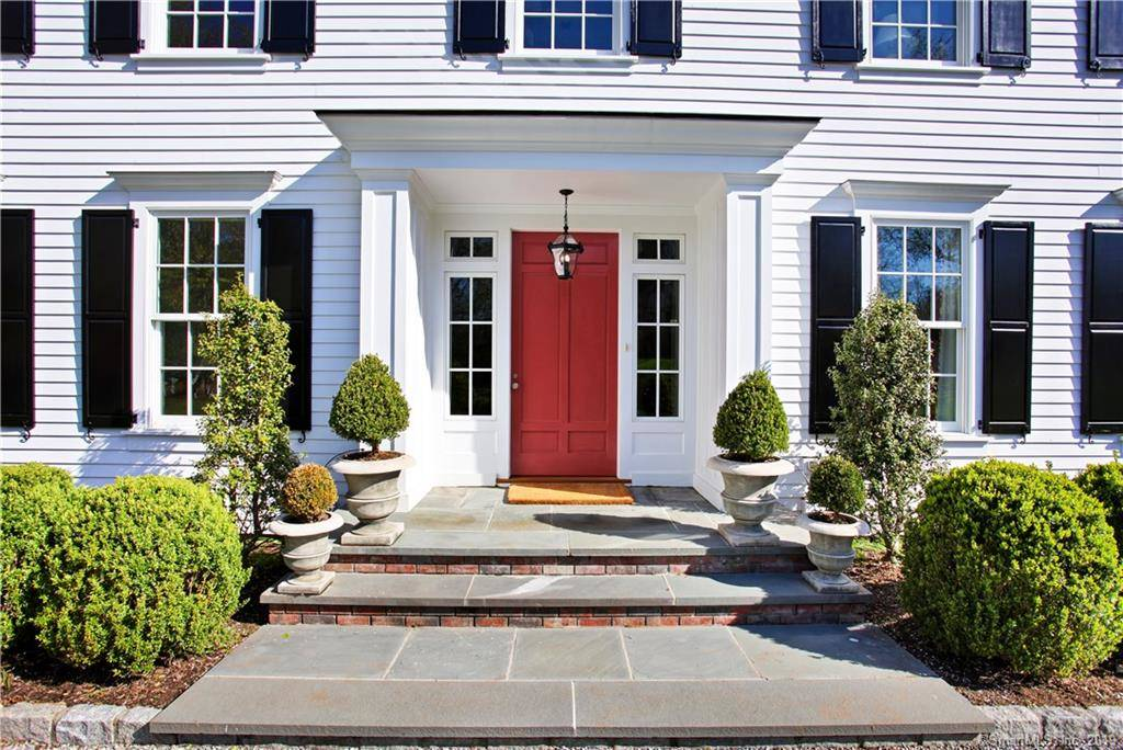 Luxury Mansion Sold in Greenwich CT 06830. Big colonial house near waterfront with 3 car garage.