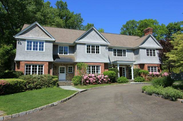 Single Family Home Rented in New Canaan CT 06840. Colonial house near waterfront with swimming pool and 3 car garage.