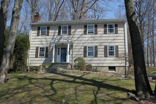 Single Family Home Rented in New Canaan CT 06840. Colonial house near waterfront with 2 car garage.