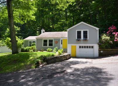 Single Family Home Sold in Wilton CT 06897.  house near waterfront with 1 car garage.
