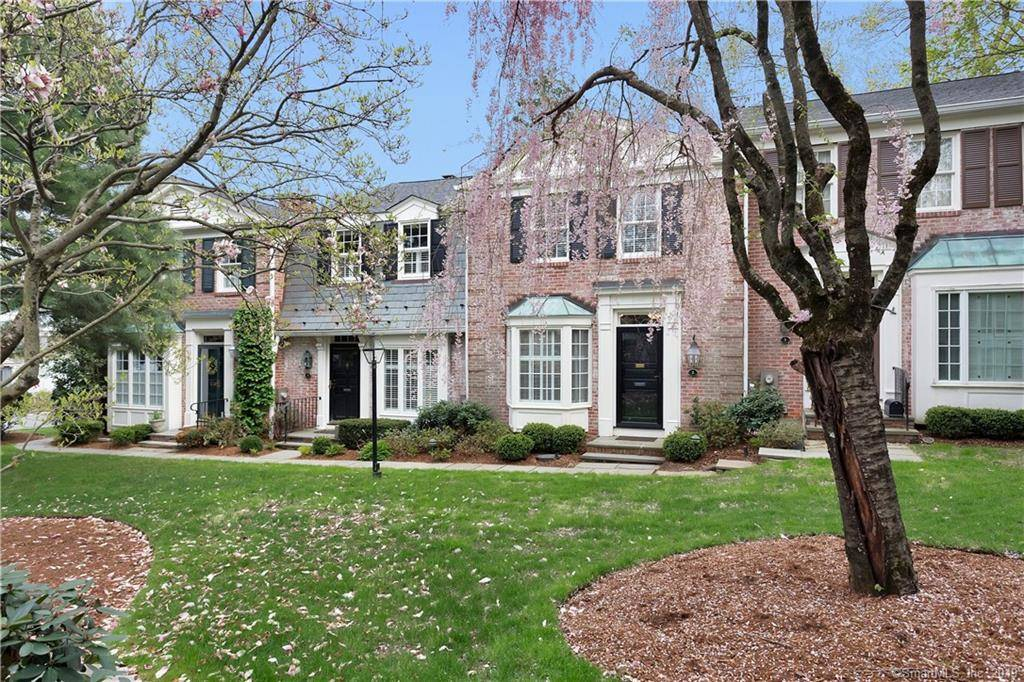 Condo Home Sold in New Canaan CT 06840.  house near waterfront with swimming pool and 1 car garage.