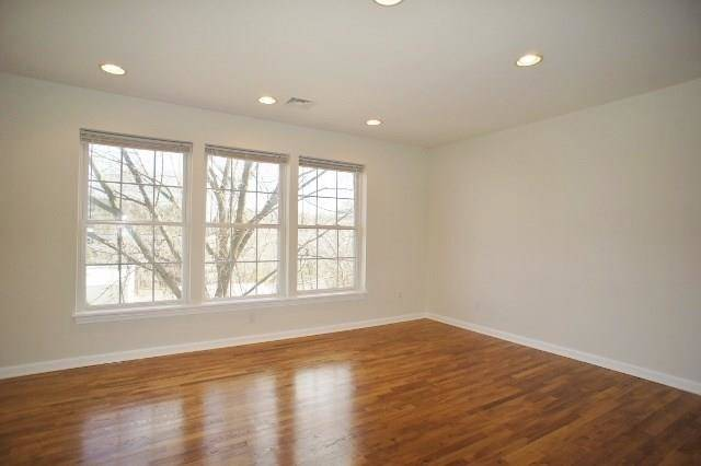 Condo Home Rented in Norwalk CT 06850.  townhouse near beach side waterfront.