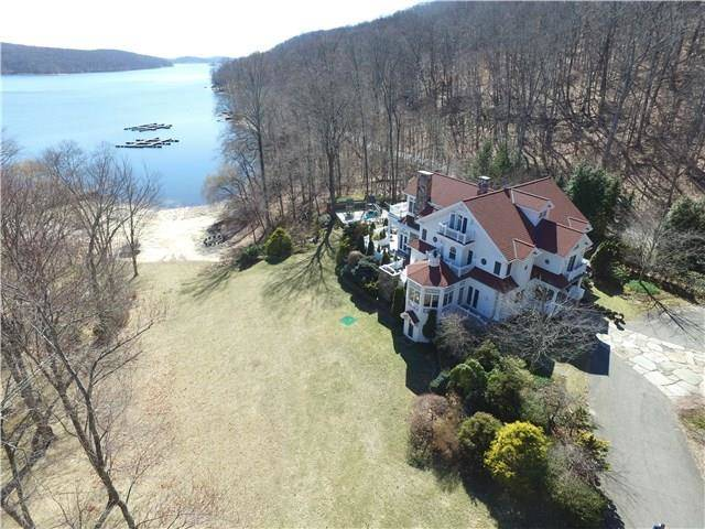 Luxury Mansion Sold in New Fairfield CT 06812. Big colonial house near beach side waterfront with 3 car garage.