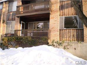 Condo Home Rented in Bridgeport CT 06606. Ranch, colonial house near beach side waterfront with swimming pool.