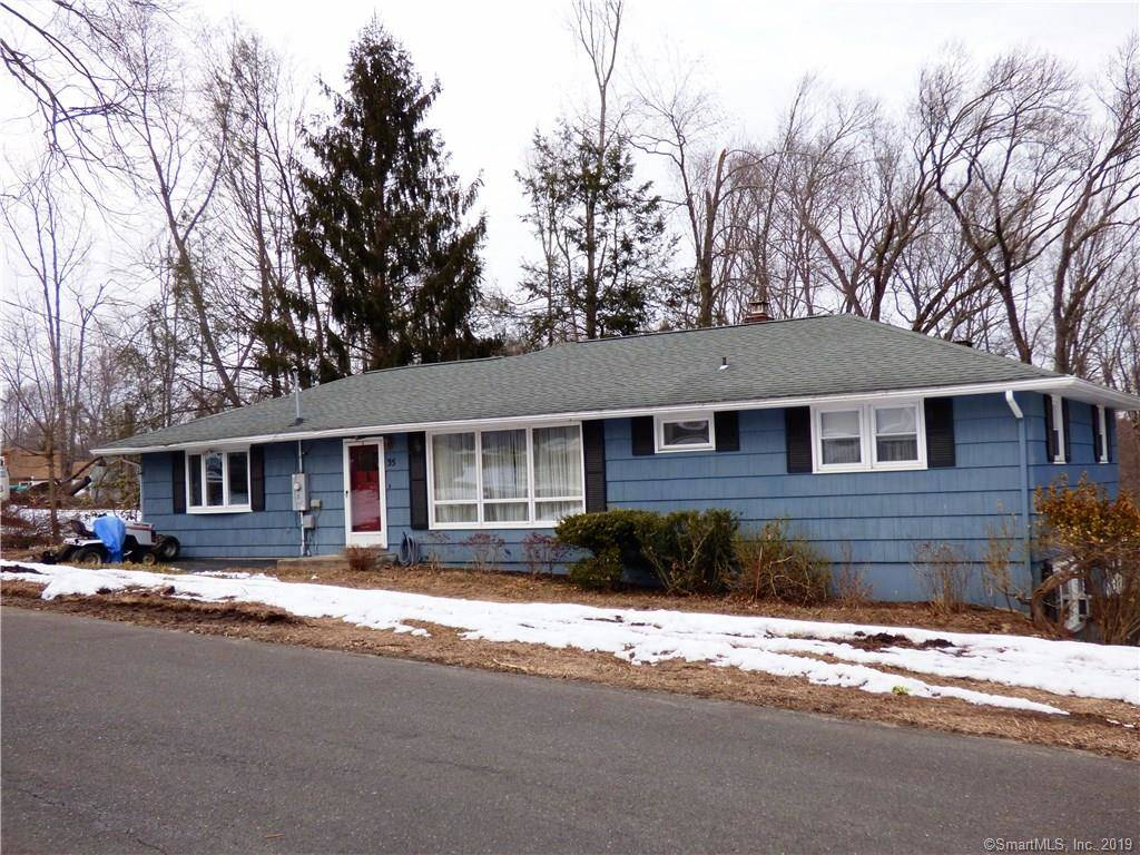 Single Family Home Sold in Brookfield CT 06804. Ranch house near waterfront.