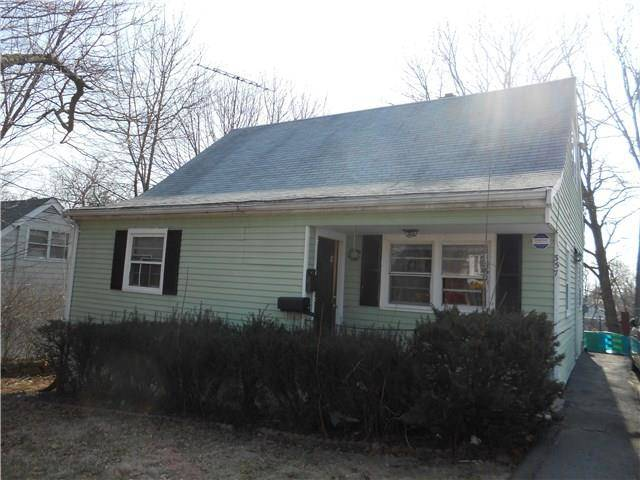 Short Sale: Single Family Home Sold in Bridgeport CT 06606.  cape cod house near beach side waterfront.