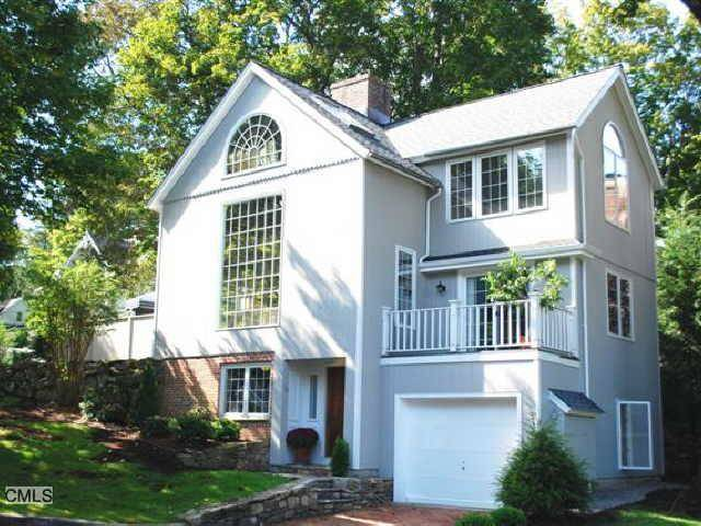 Condo Home Sold in Ridgefield CT 06877.  house near waterfront with 1 car garage.