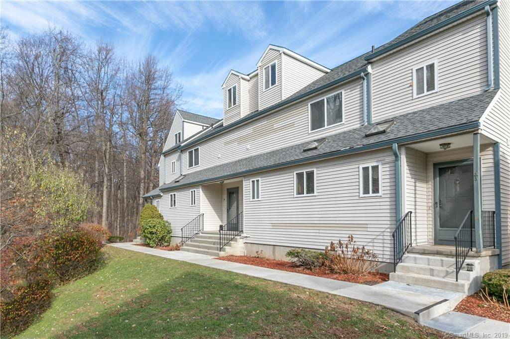 Condo Home For Sale in Shelton CT 06484.  townhouse near waterfront with 2 car garage.