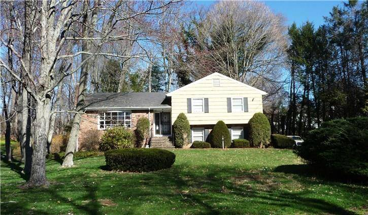 Single Family Home Sold in Stamford CT 06902.  house near beach side waterfront with 1 car garage.