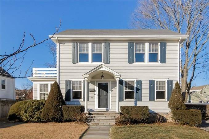 Single Family Home Sold in Stamford CT 06902. Old colonial house near beach side waterfront with 1 car garage.