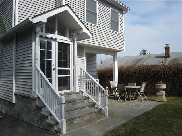 Single Family Home Sold in Fairfield CT 06825. Old colonial house near beach side waterfront with 1 car garage.