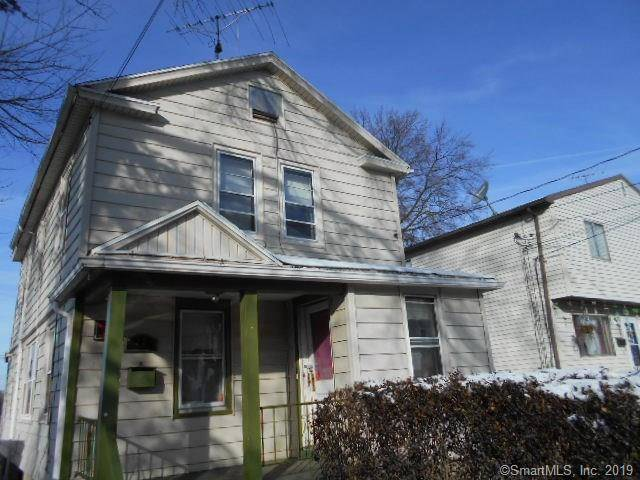 Single Family Home Sold in Bridgeport CT 06610. Old colonial house near waterfront with 2 car garage.