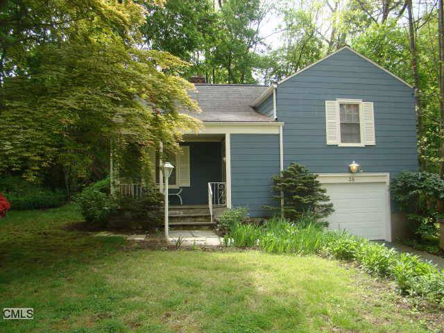 Single Family Home Rented in Stamford CT 06905.  house near waterfront with 1 car garage.