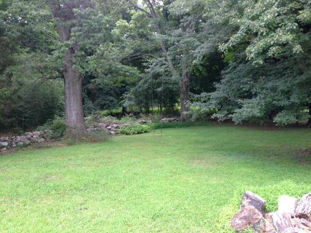 Single Family Home Sold in Westport CT 06880. Old  farm house near waterfront with 2 car garage.