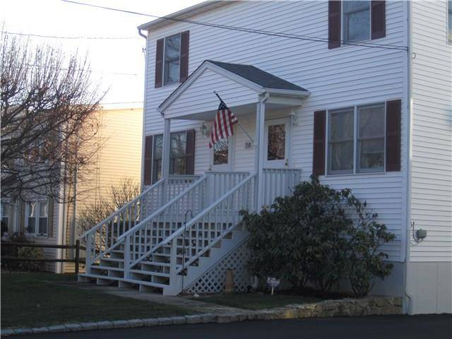 Multi Family Home Rented in Norwalk CT 06854.  townhouse near beach side waterfront with 1 car garage.