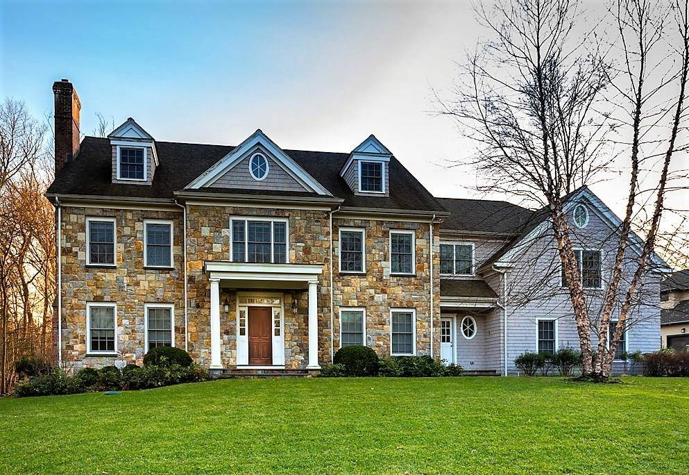 Single Family Home Sold in Stamford CT 06902. Colonial house near waterfront with 3 car garage.